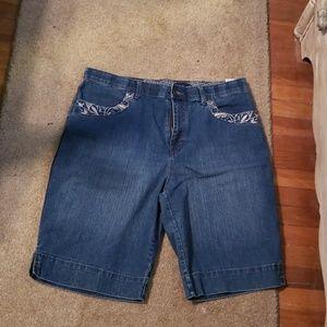 GV Jean shorts 14